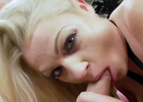 British slut Cindy is banging a stranger